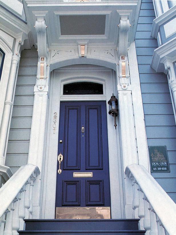 CI-Sherwin-Williams_Victorian-Home-indigo-front-door_s3x4_lg