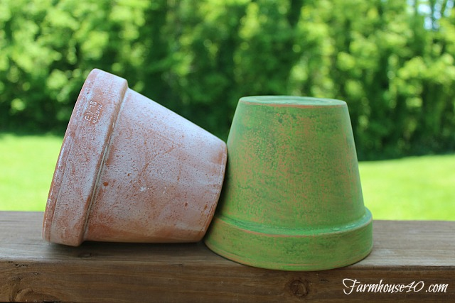 how-to-distress-pottery-@farmhouse40