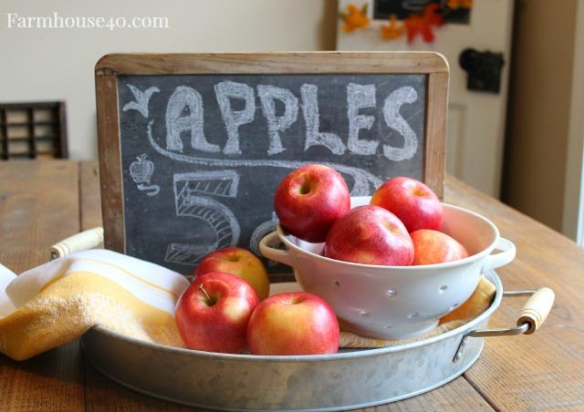 apple centerpiece display