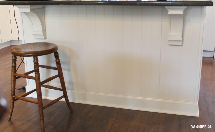 farmhouse kitchen bead board 4090