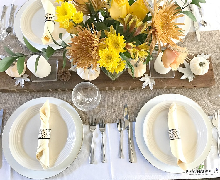 fall-simple-tablescape-with-yellow-bouquet-0030