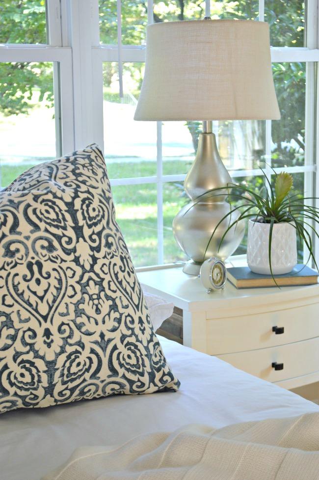 guest bedroom lamp