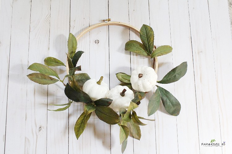 fall-white-pumpkin-wreath