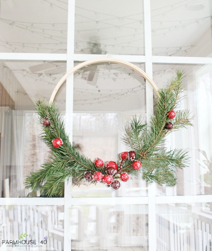 Christmas Wreath With Pine And Berries Farmhouse 40
